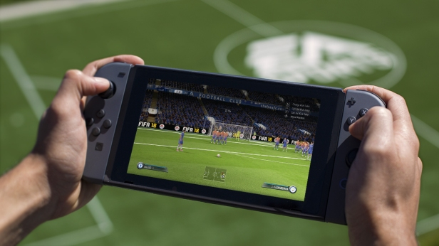 FIFA18_Switch_handheld_WM